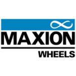 Als Logo der Referenzen bei Maxion Wheels Werke, ist ein zweifarbiges Logo in den Farben Blau und Schwarz zu sehen.